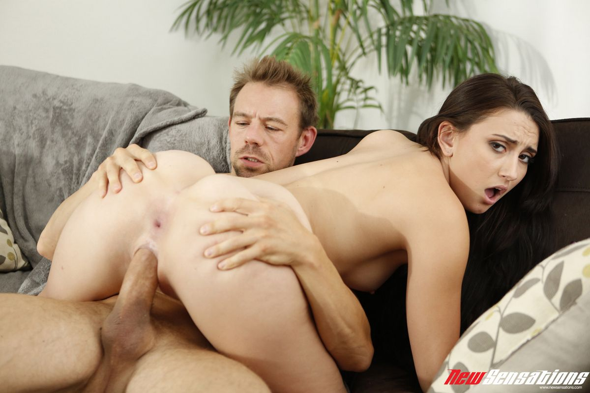 Красотка Менди предложила, парнишка же не в силах отказаться от шикарной задницы этой искусительницы