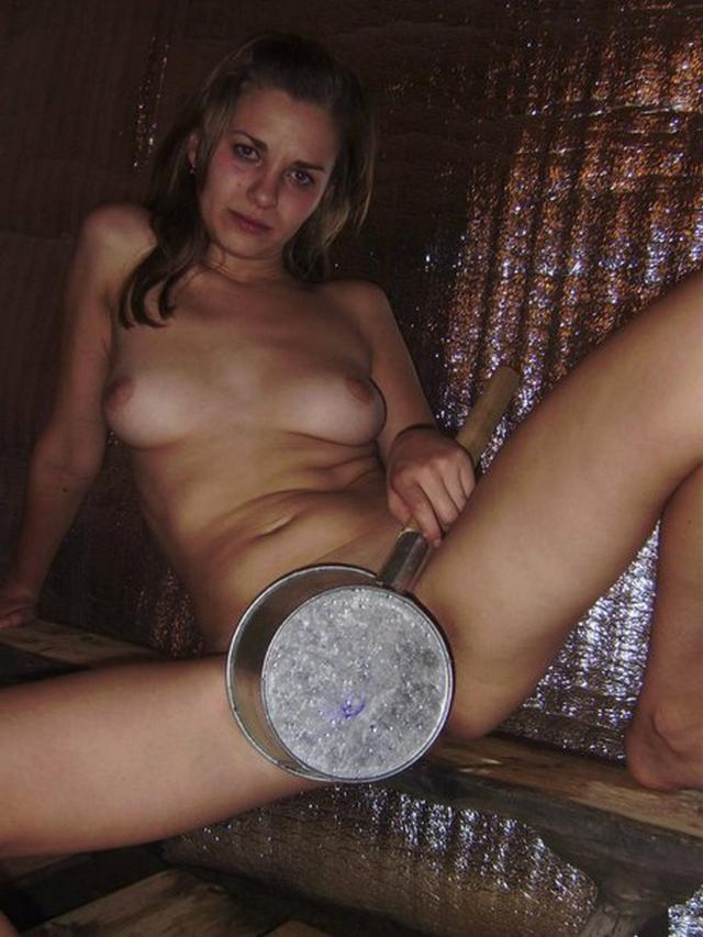 Отсос и сладкий вагинальный ебля с простой моделью