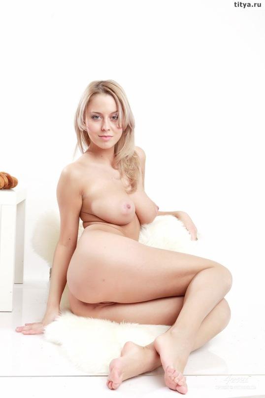 Откровенная русская мадам с шикарным телом