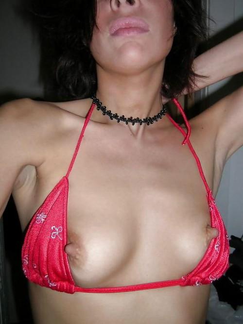 Горячие девахи светят титьками с большими сосочками порно фото