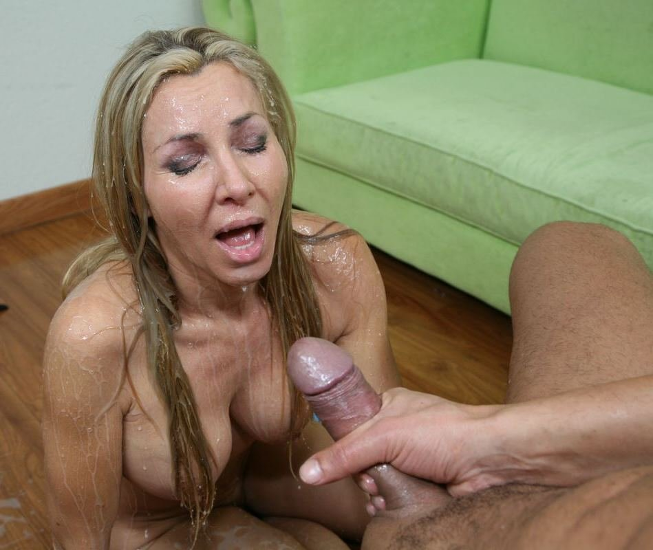 Коллекция секс-фото аппетитных супермодель с гигантскими привлекательными буферами