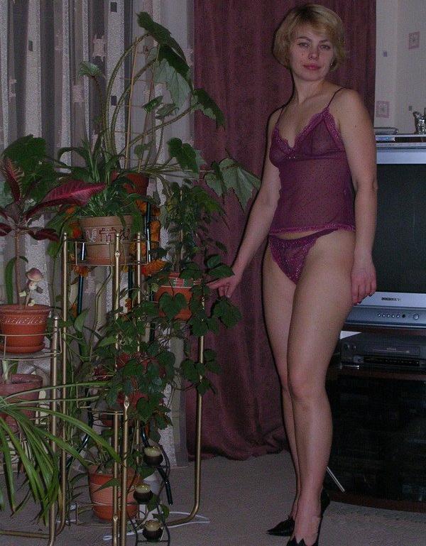 Мама в чёрных носках лижет хер соседу в своей квартире