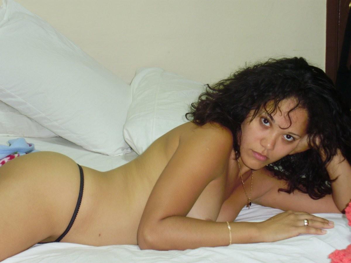 Кубинская актриса Ариана Алварез